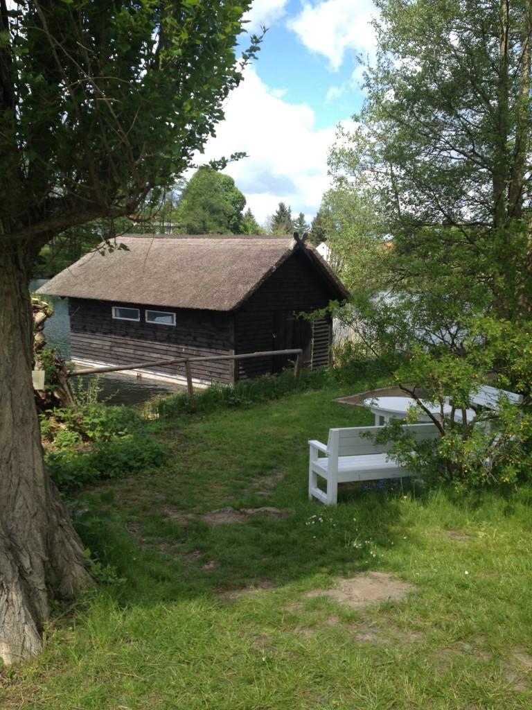 Sitzecke und Bootshaus